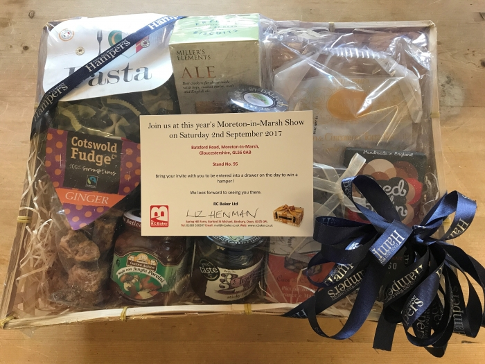 A beautiful hamper from Hampers in Woodstock was won by Liz Henman in our customer hamper draw!
