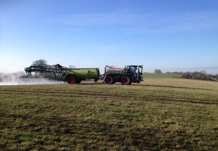 SGT spreading at 24m near Wallingford
