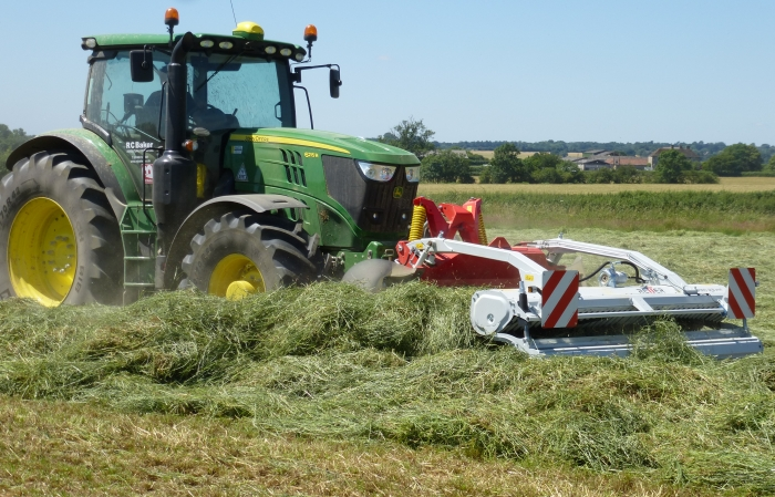 Grass Silage with the Riter Swath Merger 2017